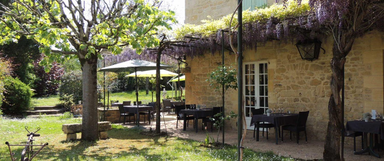 restaurant-les-pres-gaillardou-terrasse